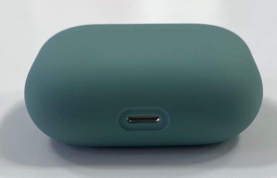 AirPods wireless case and usb-c charge port