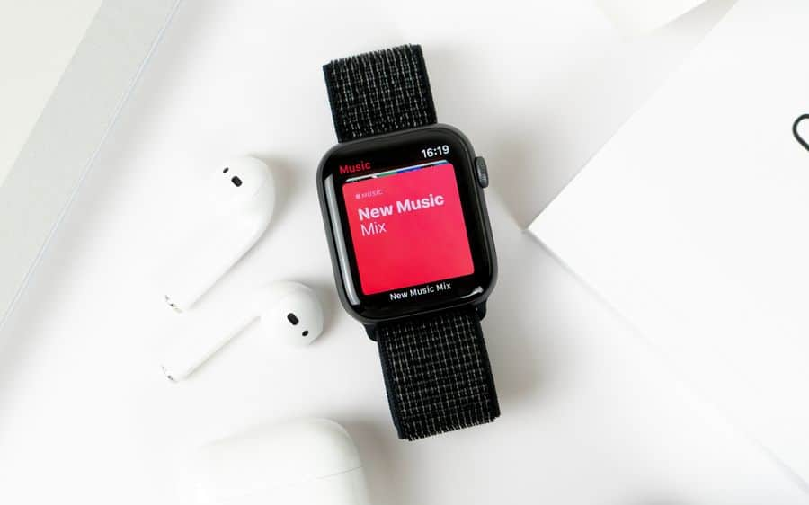 syncing music and podcasts with Apple Watch without pairing gizbuyer guide